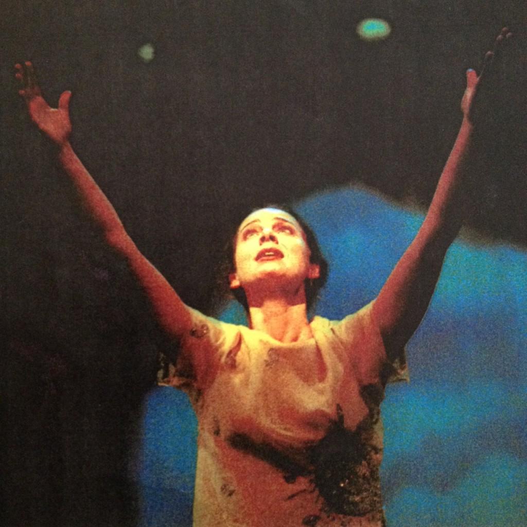 Hanna Lekander som Indras dotter i Ett drömspel